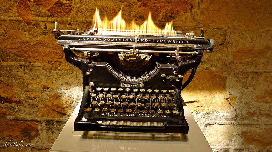 vintage typewriters, art