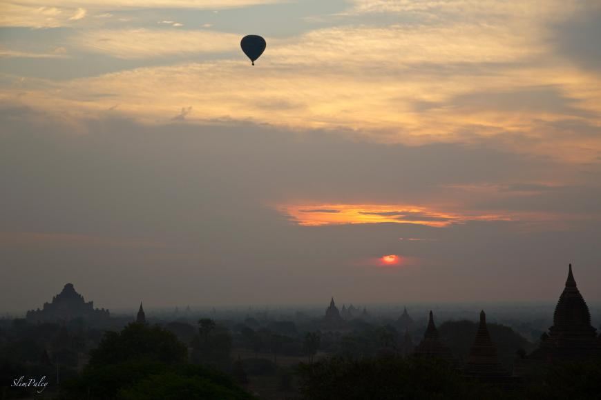Balloon over Bagan, Burma, slimpaley.com
